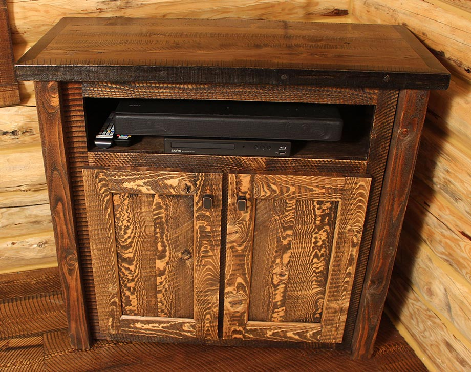Delicieux Circle Sawn Rustic Media Cabinet