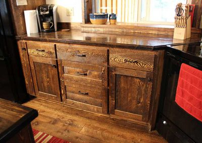 Circle-sawn Custom Rustic Kitchen Counter