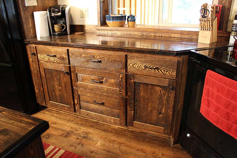 Circle-sawn Custom Rustic Kitchen Counter & Custom Rustic Kitchens - ProRustics Home u0026 Furnishings